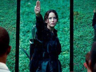 katniss-salutes